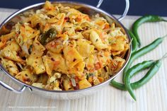 Kothu Roti (Sri Lanka) and other delicious spicy foods from around the world// Buzzfeed