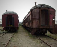 Abandoned Skunk Train, California - World's Eeriest Abandoned Places Abandoned Train, Abandoned Places, Abandoned Buildings, Spooky Places, Haunted Places, Haunted Hotel, Fort Bragg, Ghost Hunting, Train Tracks