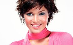 mandy moore short cheeky hairstyle