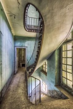 Germania, il fascino delle scale abbandonate