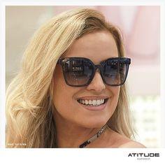 """Safira - É pra você. on Instagram  """"Óculos de sol com design amplo e  estruturado, é uma opção certeira para trazer mais elegância e estilo em  seu dia a dia. 5cdb89bdb9"""