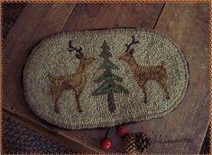 Christmas Rugs, Primitive Christmas, Christmas Ideas, Hook Punch, Wooly Bully, Rug Hooking, Locker Hooking, Hand Hooked Rugs, Braided Rugs