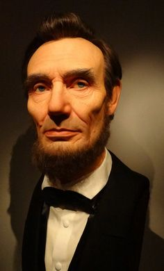 Lifelike supersized Abraham Lincoln on display at Reagan Library http://www.conejovalleyguide.com/welcome/major-abraham-lincoln-exhibit-at-the-reagan-library-starts-j.html