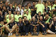 f1 Red Bull Racing celebrando la merecida victoria de Sebastian #Vettel en #Singapur.