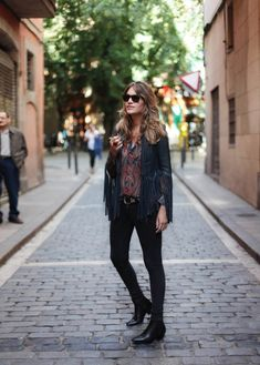 . Chaqueta / Jacket: Kate Moss for Topshop (HERE)  .Camisa / Shirt: Mango  . Botines  Booties: Uterqüe