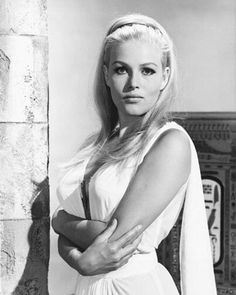 Photograph of Olga Schoberová from The Vengeance of She in various sizes, also as poster, canvas or art-print Hammer Movie, Hammer Films, Ursula Andress, Epic Movie, Iconic Photos, Character Costumes, Horror Films, Beautiful Celebrities, Beautiful Women