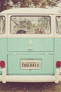 mint vintage by Verde Vintage, Vw Vintage, Color Menta, Mint Color, Wallpapers Verdes, Wallpaper Tumblrs, Imagenes Color Pastel, Vw Minibus, Mint Green Aesthetic