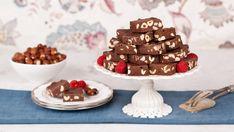Hazelnut Mochaccino Fudge - Recipes - Best Recipes Ever - Using sweetened condensed milk means fudge is a cinch to make. Nut Recipes, Fudge Recipes, Cake Recipes, Dessert Recipes, No Bake Desserts, Healthy Desserts, Sweet Desserts, Eat Healthy, Healthy Recipes