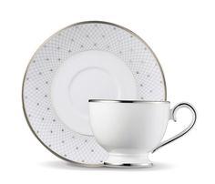 formafina.com.br - Princess Tea Cup & Saucer. Quem sabe quando eu for rainha....