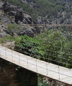 Un parque temático iluminará el río Velillos de Moclín http://www.rural64.com/st/turismorural/Un-parque-tematico-iluminara-el-rio-Velillos-de-Moclin-6003