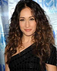 Maggie Q Long Curls.wonder if I could pull my natural curls off. Looks just like this. Q Hair, Ombre Curly Hair, Curly Hair Styles, Natural Hair Styles, Hair Dye, Wig Styles, Remy Hair Wigs, Remy Human Hair, Human Hair Wigs