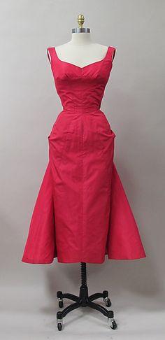 Cocktail dress 1952–53 Designer: Charles James (American, born Great Britain, 1906–1978) Manufacturer: (sample made for) Samuel Winston