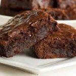 Brownies with Black Garlic Best Brownie Recipe, Brownie Recipes, Garlic Festival, New Years Eve Food, Black Garlic, Brownie Ingredients, Best Brownies, Roasted Garlic, Food Print