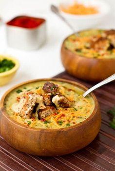 Brocolli & Cheeze soup (vegan version via OSG). Must make. Soon!