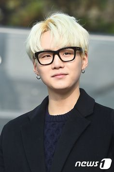 Suga makes me think of Tsukishima Kei