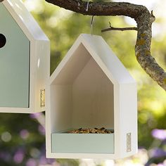 Sophie Conran Bird Feeder Sophie Conran Bird Feeder The post Sophie Conran Bird Feeder appeared first on Deco. Wood Bird Feeder, Bird House Feeder, Hanging Bird Feeders, Homemade Bird Houses, Bird Houses Diy, Bird House Plans, Birdhouse Designs, Bird Boxes, Diy Wood Projects