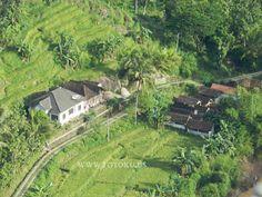 10.34 Perkampungan di lihat dari perbukitan Mangunan Imogiri Bantul Jogjakarta #JOGJA #view
