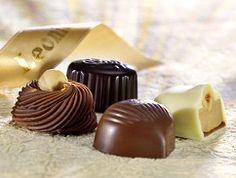 Leonidas Belgian Chocolates: Pralines and Creams Chocolate Photos, I Love Chocolate, Belgian Chocolate, How To Make Chocolate, Chocolate Lovers, Chocolate Pancakes, Chocolate Chip Cookies, Leonidas Chocolate, Pralines And Cream