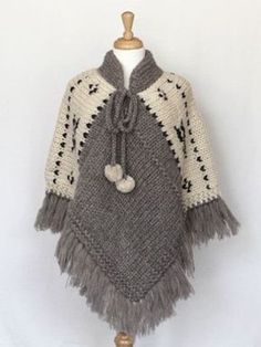 Poncho gris y manteca. Poncho - Natural (I'm thinking grannie squares along the shoulder instead of white knits - ?) Items are sold at storesBilledresultat for ponchos clothingPoncho - Natural --idea only no patternCould crochet this, make four equal Mode Crochet, Poncho Knitting Patterns, Crochet Poncho Patterns, Knitted Poncho, Knit Or Crochet, Crochet Scarves, Crochet Shawl, Knitting Designs, Crochet Clothes