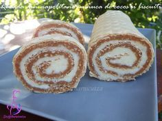 Rulada din napolitane cu nuca de cocos si biscuiti – Stefy harnicutza My Recipes, Cake Recipes, Yule Log, Romanian Food, Different Cakes, Food Cakes, Homemade Cakes, Cake Cookies, Muffin