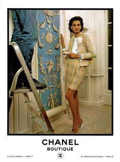 Chanel 19, Mode Chanel, Cozy Fashion, 80s Fashion, Fashion Brands, Vintage Fashion, Chanel Outfit, Chanel Fashion, Chanel Style Jacket