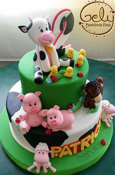 Torta Animalitos de la Granja. Little Farm Cake Farm Birthday Cakes, Farm Animal Birthday, Farm Animal Cakes, Fantasy Cake, Farm Cake, Novelty Cakes, Occasion Cakes, Cute Cakes, Celebration Cakes