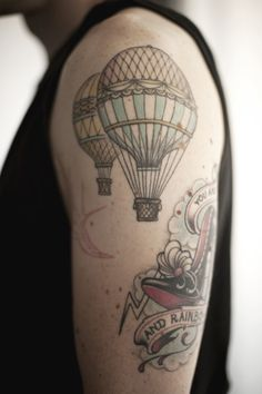 hot air balloon :) I want one on my thigh :)
