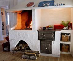 Let yourself be inspired by our fireplaces and spread both warmth and well-being in your home. We help you find the right wood burning stove or wood stove. Cottage Fireplace, Stove Fireplace, Welcome To My House, Cooking Stove, Compact Living, Swedish House, Interior Garden, New House Plans, Interior Inspiration