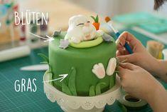 Crazy Cakes, Fondant Cake Toppers, Cupcake Cakes, Fondant Cupcakes, Sewing Cake, Baby Birthday Cakes, Fondant Animals, Cake Decorating Techniques, Halloween Cakes
