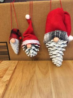 Christmas Ornaments To Make, Homemade Christmas Gifts, Christmas Crafts For Kids, Rustic Christmas, Christmas Art, Christmas Projects, Handmade Christmas, Holiday Crafts, Xmas Crafts To Sell