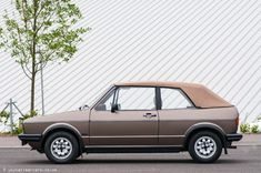 Golf Mk 1 Convertible with less than miles from new Golf 1 Cabriolet, Cabrio Vw, My Dream Car, Dream Cars, Fender Mustang Guitar, Convertible, Golf Mk2, Fit Car, Vw Cars