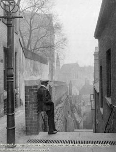 Long Stairs, Narrow Marsh, Nottingham, 1922 Nottingham Lace, Nottingham City, Old Pictures, Old Photos, History Photos, Historical Photos, Black And White Photography, Places To See, Past