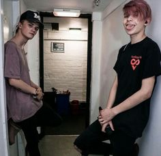 Leo is so cute when he sticks his tongue out XD Matilda Devries, Baby Bar, Bars And Melody, Britain Got Talent, Sam And Colby, Dan And Phil, Future Boyfriend, Gay Couple, Celebs