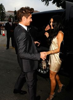 Zac Efron and Vanessa Hudgens. Zac Efron Vanessa Hudgens, Estilo Vanessa Hudgens, Troy Bolton, High School Musical, Perfect Couple, Best Couple, Celebrity Couples, Celebrity Pictures, Pretty People
