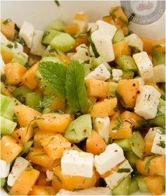 salade melon feta concombre et menthe Healthy Dishes, Healthy Dinner Recipes, Vegetarian Recipes, Diet Salad Recipes, Elise, Clean Eating Chicken, No Cook Meals, Summer Recipes, Food Inspiration