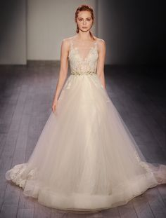 Style #3607 by Lazaro