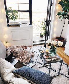 Urban outfitters room ideas best bohemian style decor images on urban outfitters home decor urban outfitters . Urban Outfitters Zimmer, Urban Outfitters Room, Urban Rooms, Urban Bedroom, Living Room Decor, Bedroom Decor, Bedroom Ideas, Design Apartment, Apartment Living