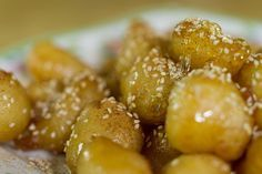 Greek honey dumplings by Greek chef Akis Petretzikis. A super delicious, traditional Greek recipe for sweet honey dumplings also known as known ''loukoumades''! Dumpling Recipe, Dumplings, Pretzel Bites, Greek, Honey, Sweets, Cooking, Desserts, Recipes