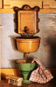 1902 Gottschalk kitchen wall sink