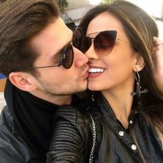 Couples ♥ couple goals relationships, cute couples goals e Cute Couples Goals, Couples In Love, Romantic Couples, Couple Goals Relationships, Cute Relationship Goals, Romantic Photos, Love Photos, Flipagram Couple, Cute Couple Pictures