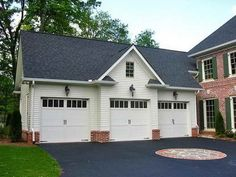 Inspect the exterior walls and floors in the detached garage with bonus room plans to look for cracks. Once you decide to move on, get building permits and ask for restrictions to create living space in your garage. 3 Car Garage Plans, Garage Apartment Plans, Garage Apartments, Garage Ideas, Apartment Ideas, Garage Blueprints, Garage Kits, Garage Shop, Carriage House Garage