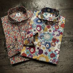 How to Wear Men's Micro-Print Shirts Men's Shirts And Tops, Casual Shirts, Shirt Jacket, Shirt Dress, Mens Vintage Shirts, Mens Printed Shirts, Mens Designer Shirts, Suit Fashion, Shirt Designs