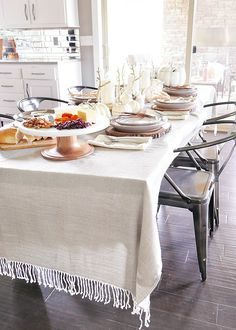 simply-elegant-fall-table-setting-with-throw-blanket-for-table-cloth