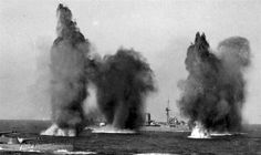 Royal Navy battleships Hood (left) and Valiant under the retaliatory fire from French battleship Dunkerque or Provence near Mers-el-Kebir, then French Algeria. Naval History, Military History, Hms Prince Of Wales, Hms Ark Royal, Hms Hood, Navy Ships, Royal Navy, Uk Navy, Water Crafts