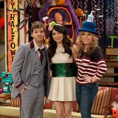 Best Tv Shows, Favorite Tv Shows, Miranda Cosgrove Icarly, Icarly And Victorious, Human Doll, Tv Show Casting, Sam And Cat, Jennette Mccurdy, 6 Photos