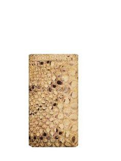 Porta IPhone in pitonerealizzatoa mano su misura in Italia #luxurytoys #richtoys #bigtoys #billionairetoys #billionaire #yachts #megayachts #yachtcharter #thegoodlife #lightdesign #lightingdesign #atelierdelrettile #handmade #tailored #bespoke