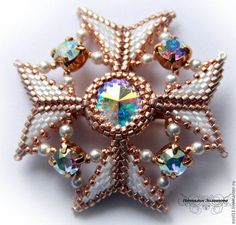 "Broche artesanal. Solicitar broche ""art déco"". Natalia Zolotov. Masters Feria. Cristal de Swarovski, plata, perlas japonesa"