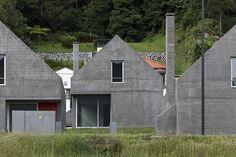 Galeria de Loteamento e casas das Sete Cidades / Eduardo Souto de Moura + Adriano Pimenta - 16