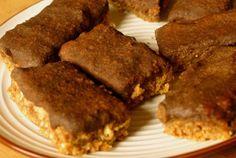 """Zdrowo zakręcona: Energetyczne, wegańskie batoniki owsiane typu flapjack w kokosowej polewie """"czekoladowej"""""""