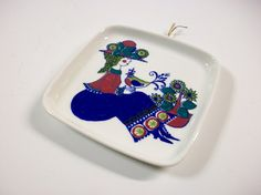 Vintage Turi Design Carefree Plate, Floral Woman Decorative Plate, Vintage Jewelry Dish or Trinket Dish, Vintage Wall Decor, Hanging Plate